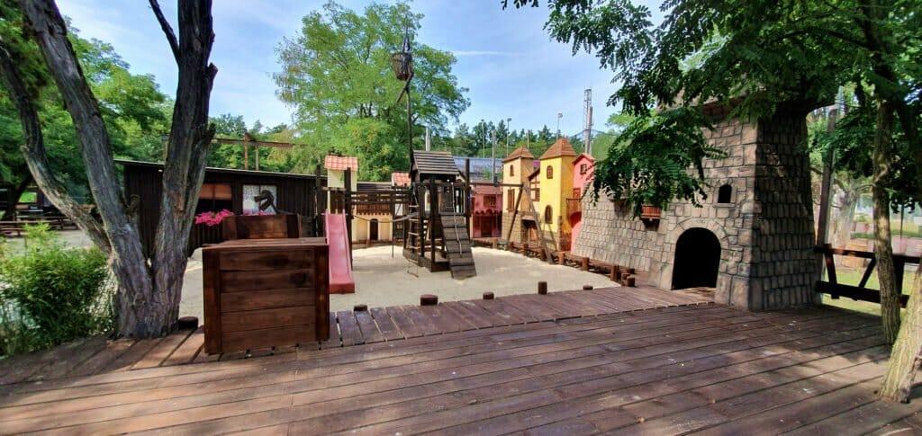 Abenteuerspielplatz im Go Paintball Adventure Park